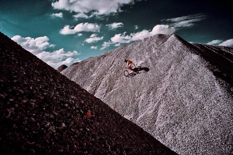 加上酷炫的山地自行车