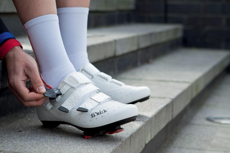 如何避免骑行过程中的脚部疼痛