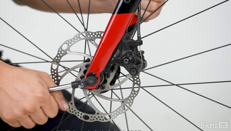 单车机械师2019 EP9:轮组装拆技巧及防蹭碟小妙招|骑行入门|山地车维修保养|公路车维修保养|山地车|公路车