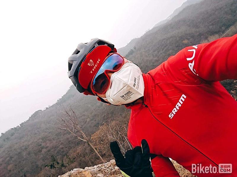 騎行戴口罩