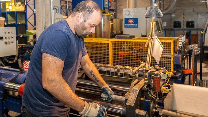 探访Cinelli车架总部和Columbus哥伦巴斯管材工厂