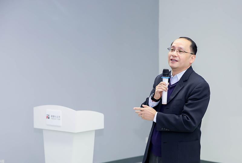 上海第二工业大学校长俞涛