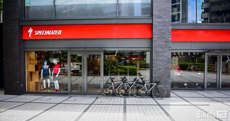 Specialized概念店,日本新宿,自行车店,闪电
