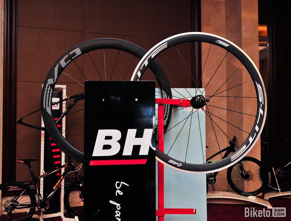 BH2016款车型发布:家族风格下的碟刹、破风与超轻量 - 美骑网