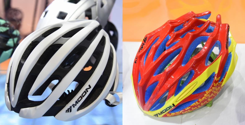MOON展位的这两顶头盔都是冠军头盔.jpg