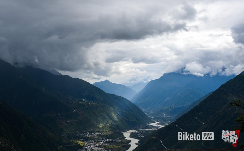 越骑越野day2: 夜闯318国道 海拔陡升4000米