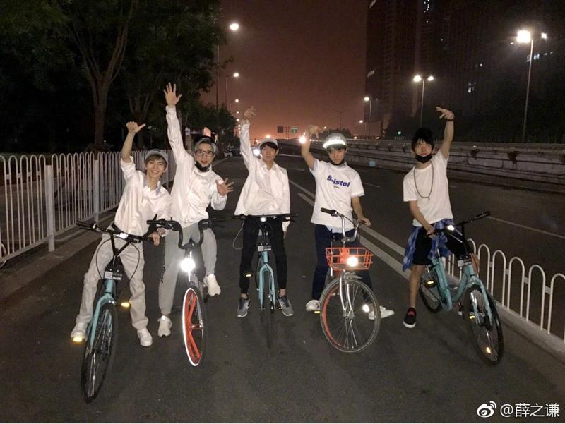 骑共享单车