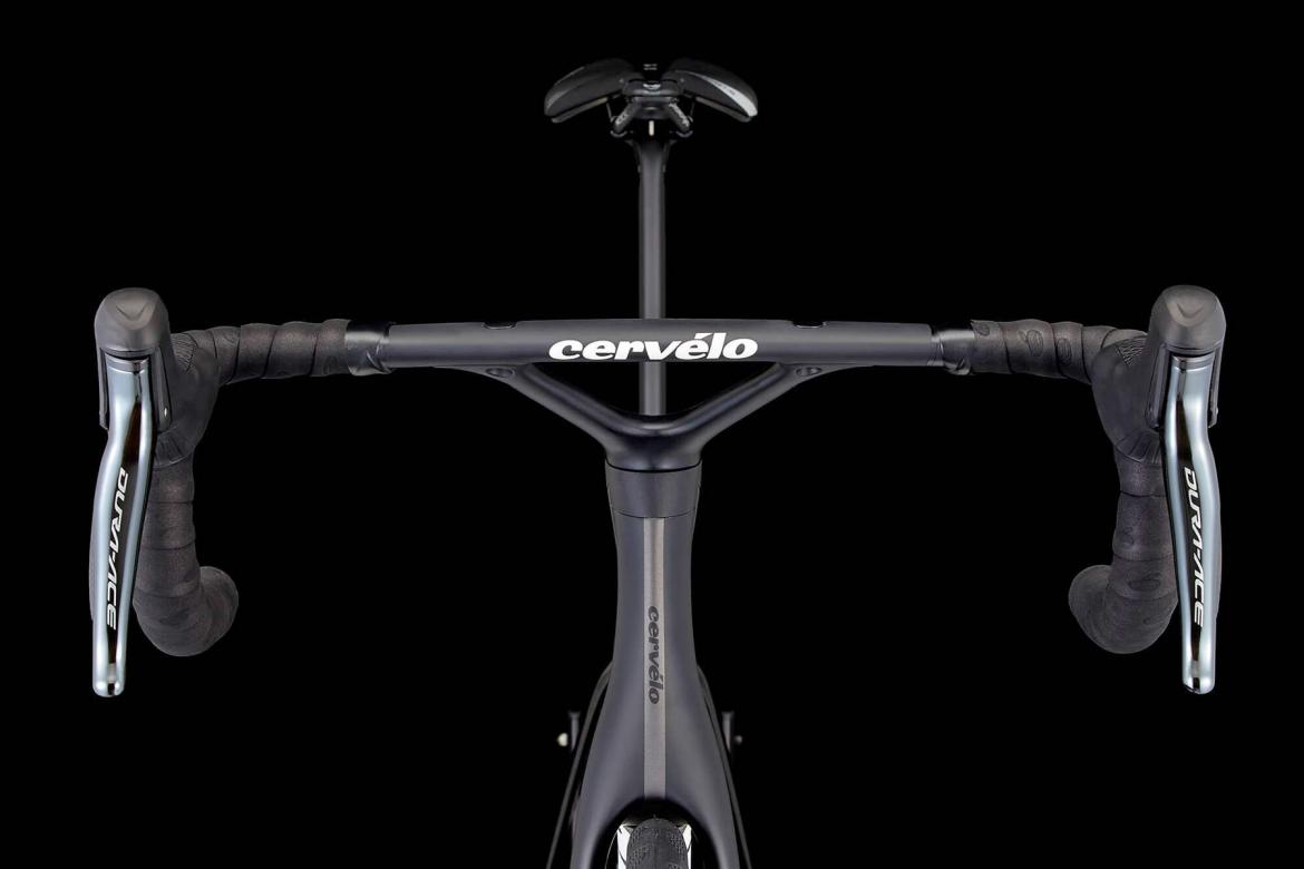 2019-Cervelo-S5_fully-integrated-carbon-disc-brake-aero-road-bike_cockpit.jpg
