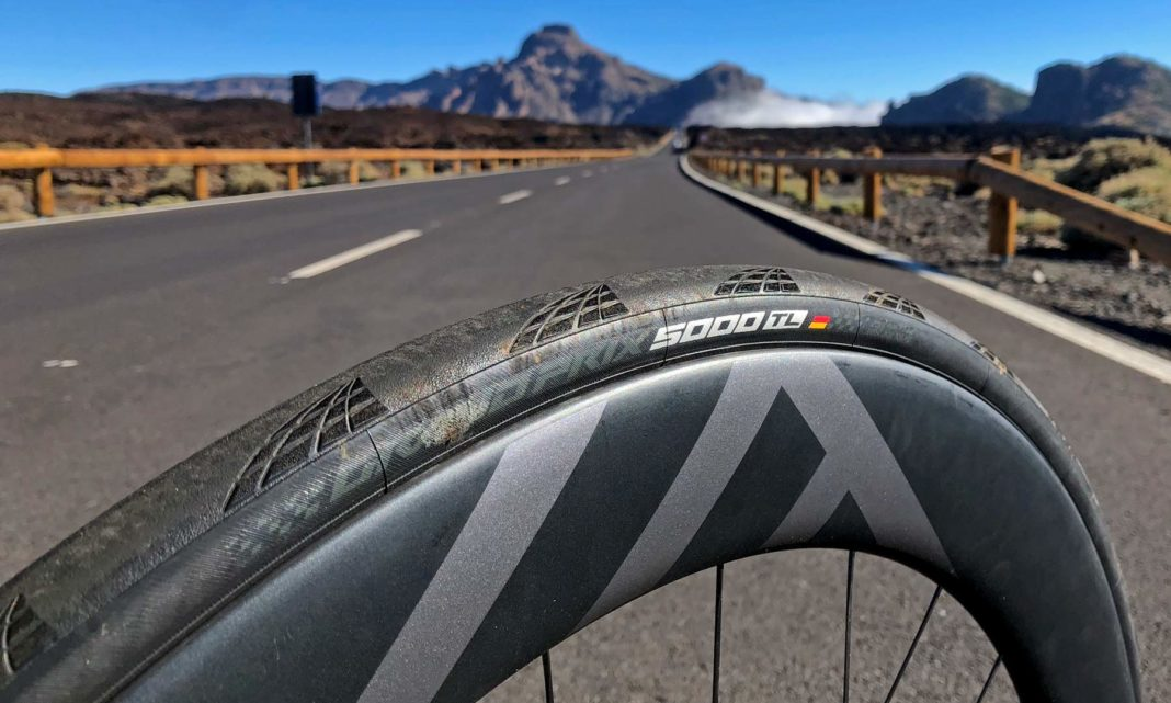 Continental-GP5000TL_Grand-Prix-GP-5000-TL_tubeless-road-all-around-performance-road-bike-tire_Teide-Tenerife-hot-stamp-1068x641.jpg