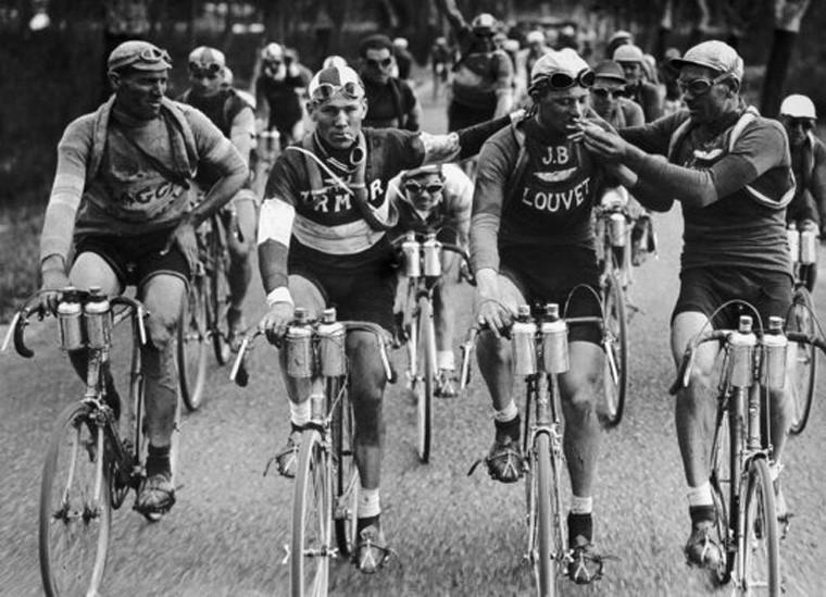 自行车脚踏