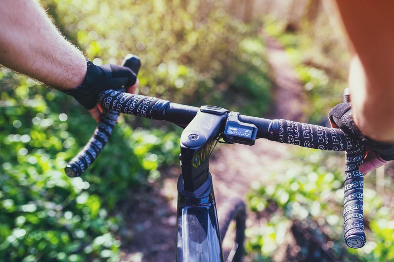 Shimano-STEPS-e-bike-road-gravel-di2-display-button-switch.jpg