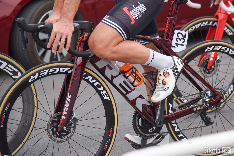 骑行入门:怎样才能阻止膝盖在骑行时持续损伤?|体能健康|骑行入门