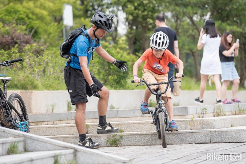 青少年骑行 家庭骑行--3.jpg