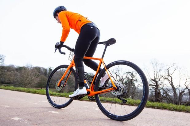 骑车通勤怎么穿?请看这篇完全指南|骑行入门|骑行装备与器材|头盔|手套|骑行鞋|骑行服|骑行眼镜|背包