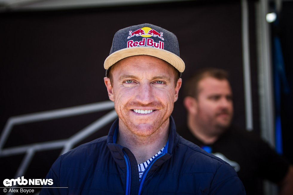 Aaron Gwin-1.png