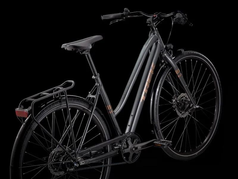 2022-trek-district-4-equipped-belt-drive-commuter-bike-3.webp.jpg