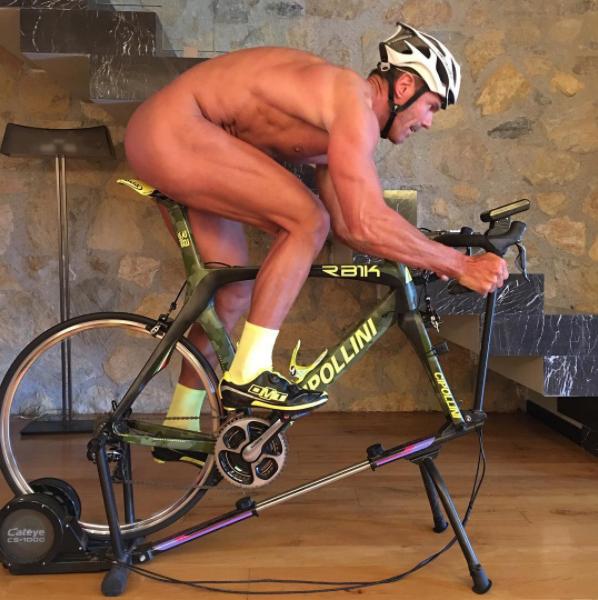 50岁的狂人 Cipollini创始人再一次大秀裸照