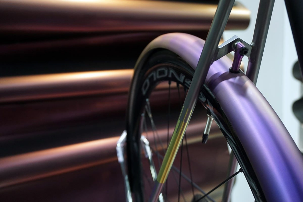4No22-Aurora-all-road-bike-hot-tubes-paint0-nahbs201902.jpg