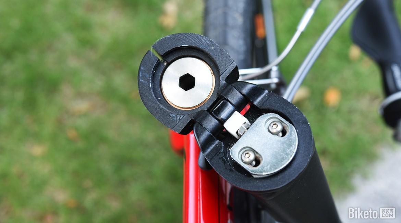 """将折叠自行车恢复成传统""""安全自行车""""前三角结构"""
