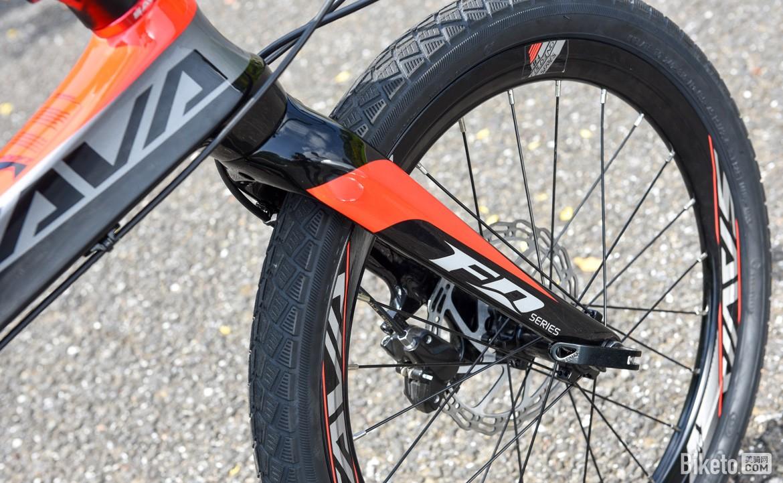 SAVA碳纤维自行车