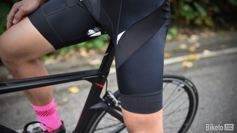 a背带舒适兰帕达赛鹰背带骑行前景设计|骑短裤行装怎样评测ui图片