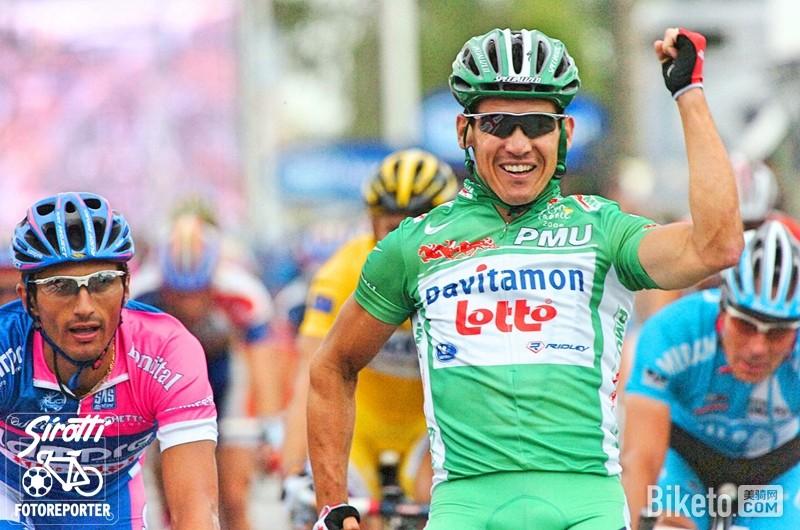 Robbie-McEwen-sprint-green-jersey-Tour-de-France-pic-Sirotti.jpg