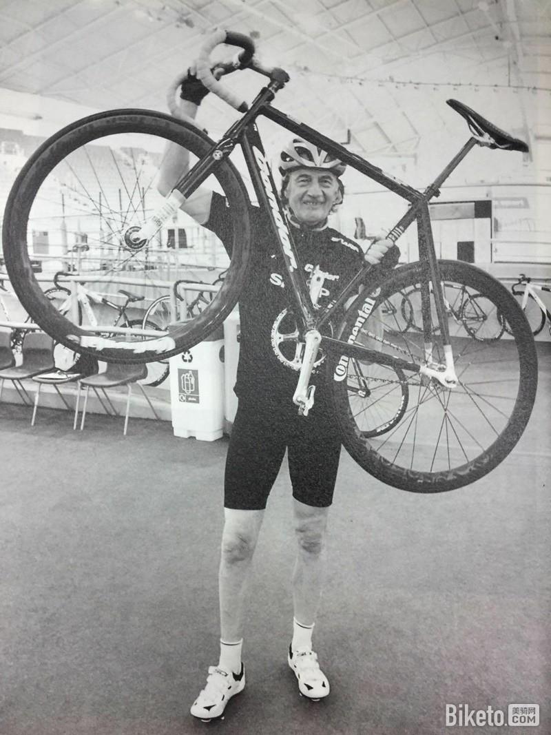 与自行车的合照.jpg