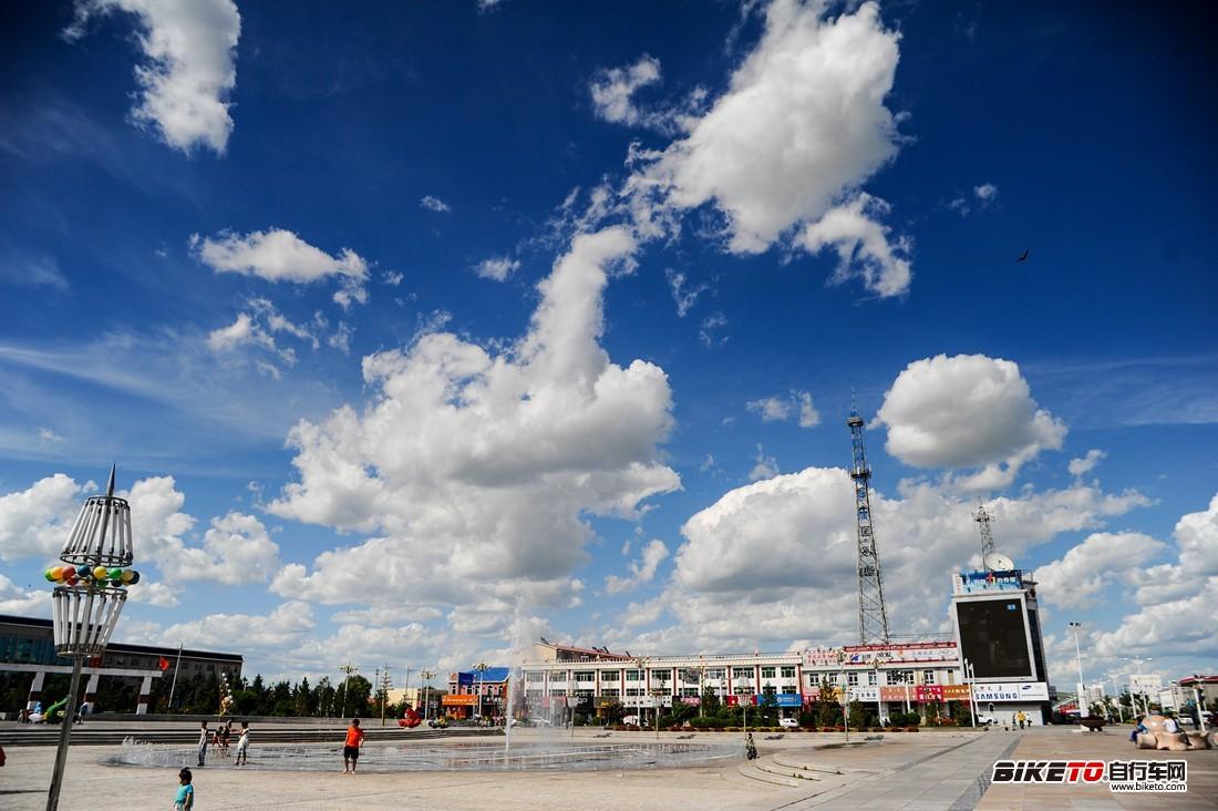 西乌旗文化广场