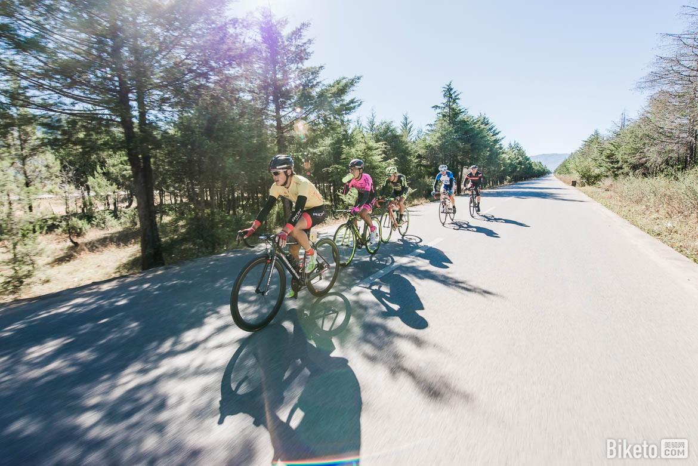 丽江骑行,玉龙雪山,丽江,骑行,业余自行车赛