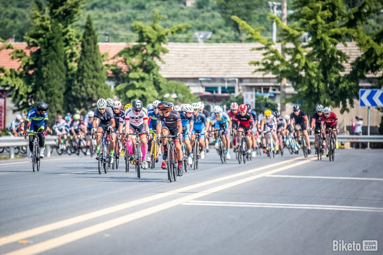 大连长山群岛自行车赛:刘祝庆再现长距离单飞
