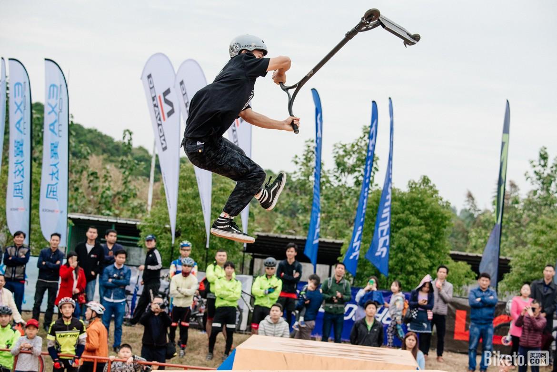 滑板车 (3).jpg