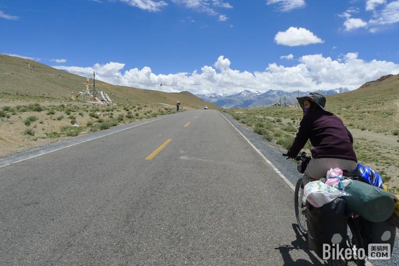 旅行达人丨风景采集师羊羊 不按套路走的单车姑娘_骑行川藏新藏