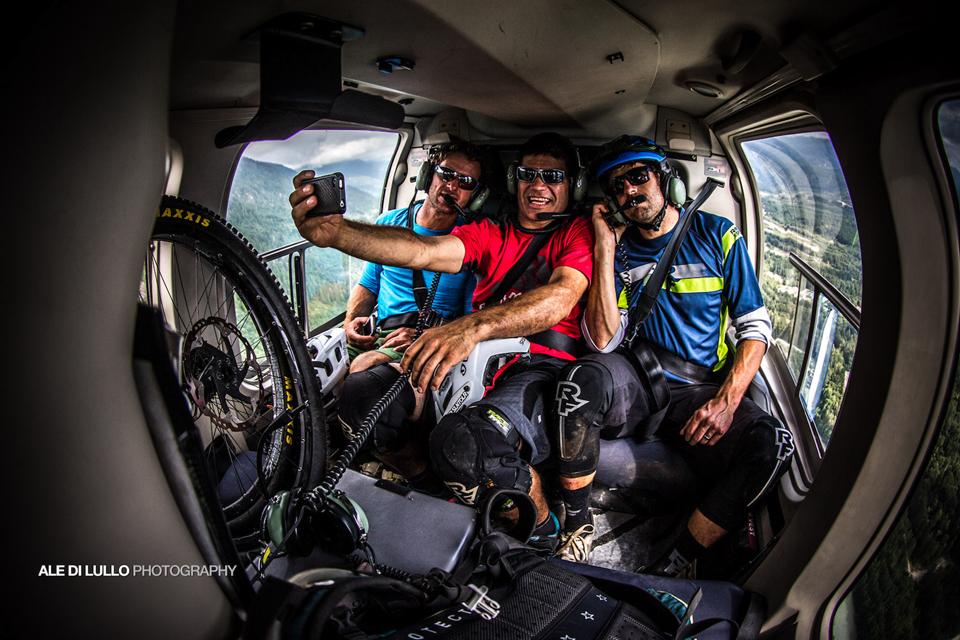 直升机携带自行车