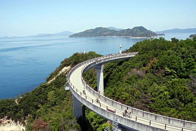 骑行岛波海道,跨越濑户内海.jpg