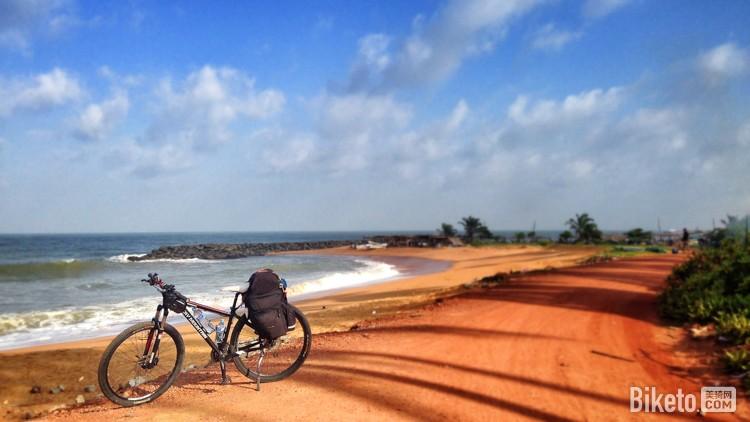 海边沙滩单车