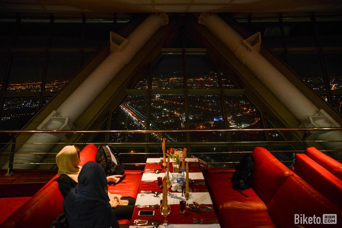 米拉德电视塔旋转餐厅