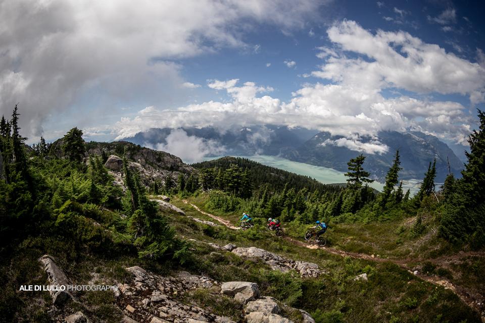 豪气冲天的山地车玩法-加拿大-2.jpg