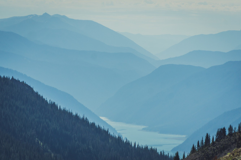 加拿大不列颠哥伦比亚省科廷山脉,山地车骑行,勇敢者的游戏