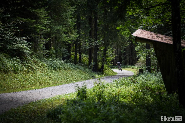 楚格山越野自行车道