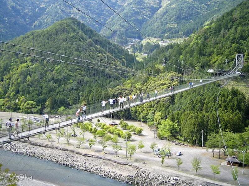 谷��の吊り��