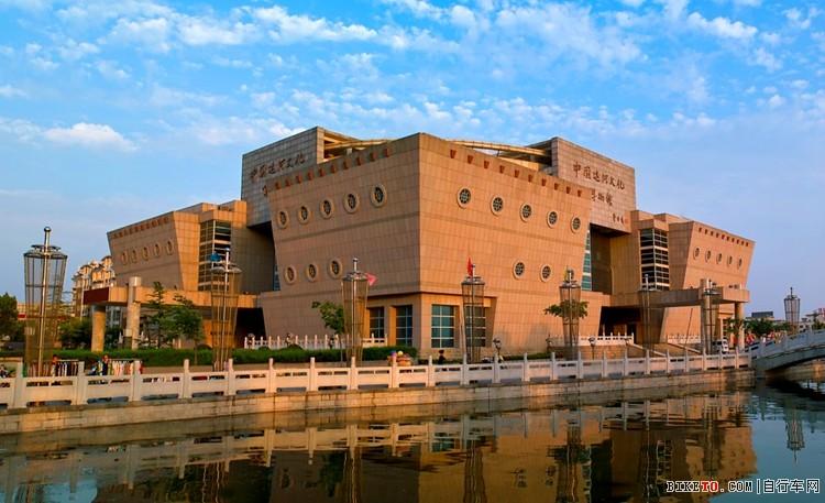 中国运河文化博物馆是一座集收藏,展览于一体的特色文化博物馆,也是