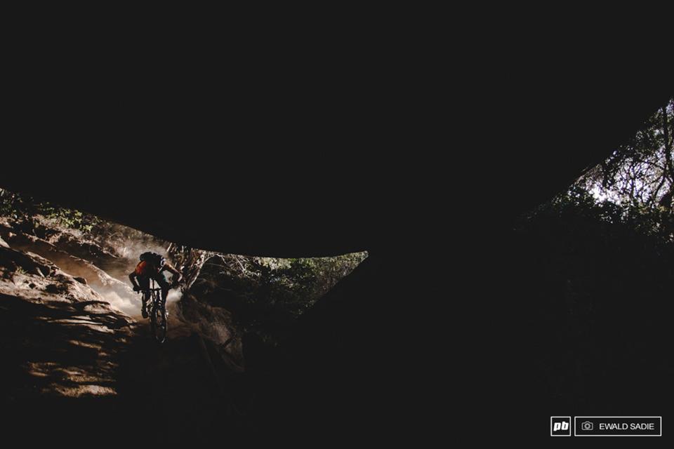 骑行花岗岩拱丘