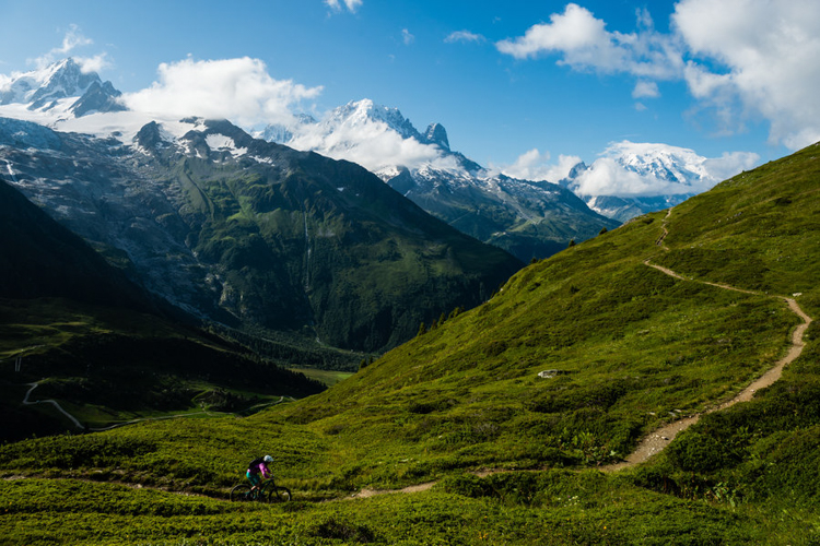 欧洲阿尔卑斯山地骑行_法国夏蒙尼小镇(Chamonix, France)