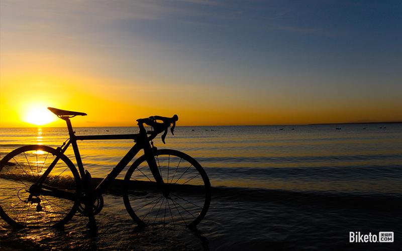 青海湖风景_经典路线丨环青海湖骑行攻略与常见问题解答