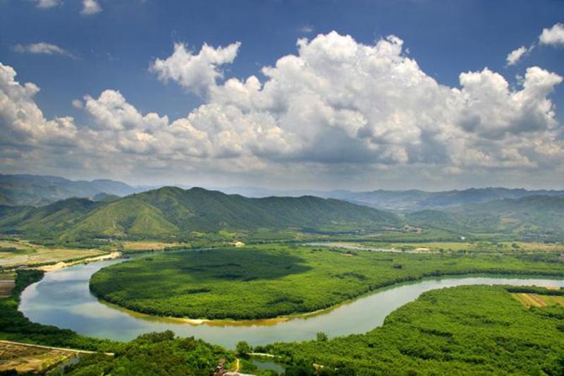 沿途景色: 正果湖心岛景区位于正果镇增江河段上游,距离蒙花布村不远