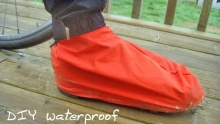 想入手防水鞋套?4步DIY 省下的錢給老婆買支花