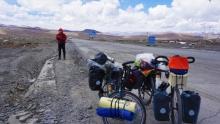 重回拉萨骑行新藏线(9)珠峰门户,嘉措拉山下人家