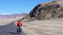 重回拉萨骑行新藏线(14)翻奇台达坂钻昆仑山里大红柳滩
