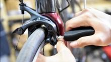 野生技师:在家更换刹车皮  简单操作让刹车满血复活