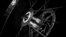 碟刹时代来临!6款超轻碟刹碳纤维轮组推荐